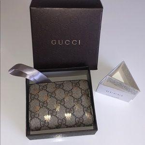 Gucci Wallet Bee GG Pattern